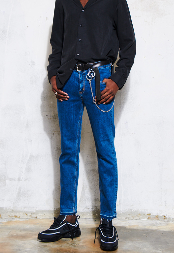 Crudo Ankle Cutting Jeans_ Medium Blue Washing